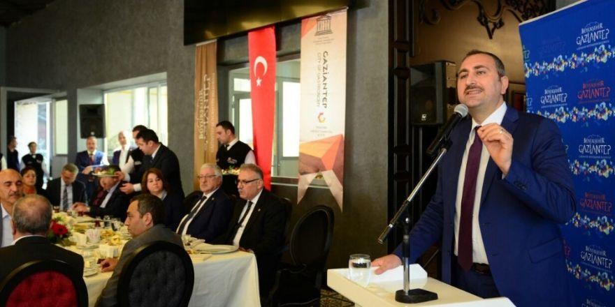 AK Partililer Bireciklilerle kahvaltıda buluştu