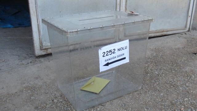 Seçimin ilk sandığı kapandı 2 kişi oy kullandı!