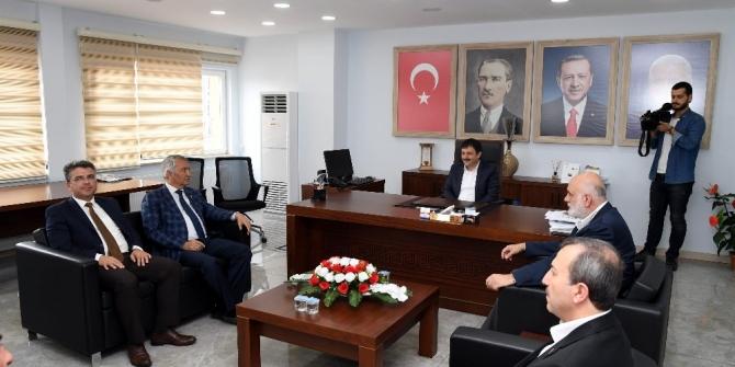 MHP'li Başkan Günaydın'dan AK Parti'ye tebrik ziyareti
