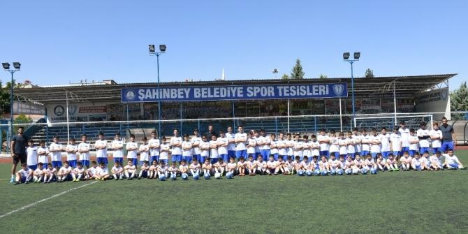 Şahinbey Spor Okulları'na yoğun ilgi