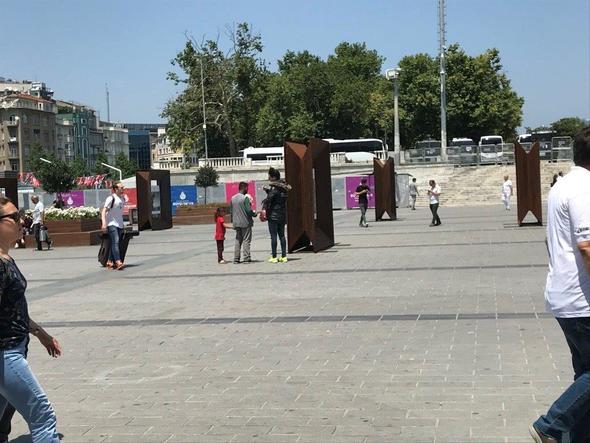 Taksim'de ilginç olay...