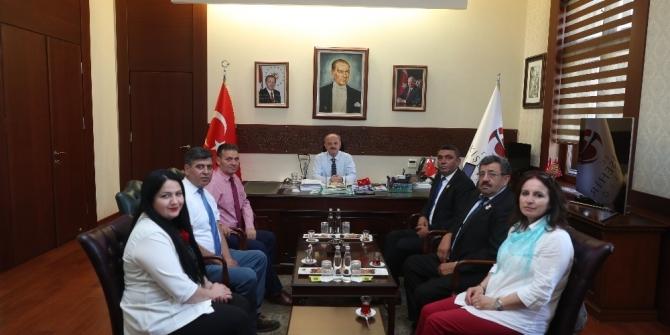 Vali Çakacak, Türkiye Harp Malulü Gaziler ve Şehit Aileleri Derneği'ni kabul etti
