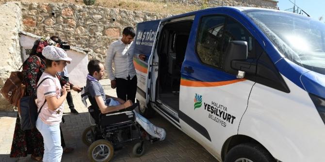 Başkan Çınar engelli vatandaşı makamında ağırladı