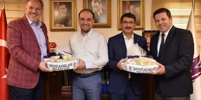 Kosova Türkleri ile ilişkiler güçleniyor