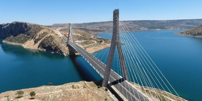 Doğu'nun Boğaz Köprüsü 'gönül köprüsü' oldu