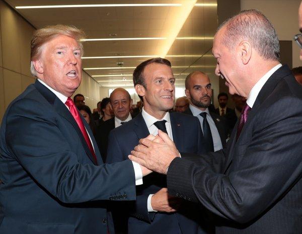 NATO'da Erdoğan, Trump ve Macron arasında samimi sohbet