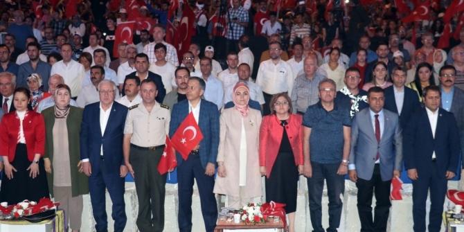 Gaziantep'te binler 15 Temmuz'u kutladı