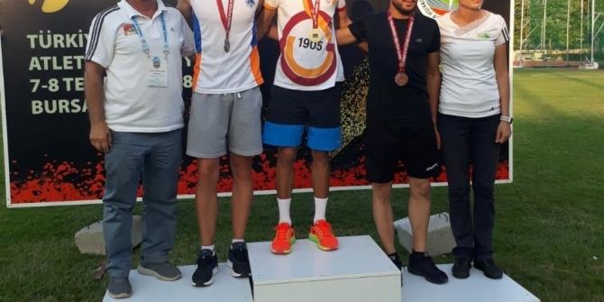 Genç milli atletten büyük başarı