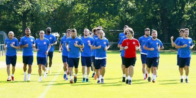 Antalyaspor, Hollanda'da tempo yükseltti