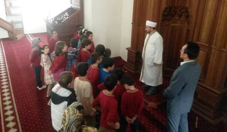 Pendik Kaynarca Bademlik Camii'si İmamı İsa Aydın FETÖ'den görevden alındı