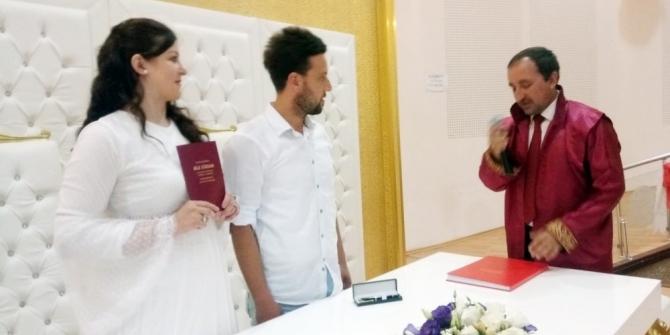 Efeler'de 21 çift evlenmek için 08.08.2018'i seçti