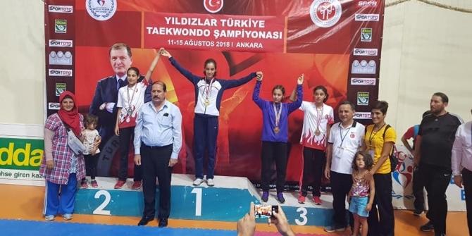 Fatma Arslan 2 bin 600 sporcunun katıldığı şampiyonada 2. oldu