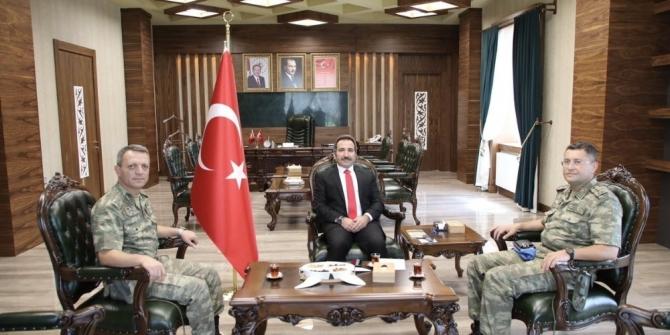 Tuğgeneral Altay, Vali Mantıya veda ziyaretinde bulundu