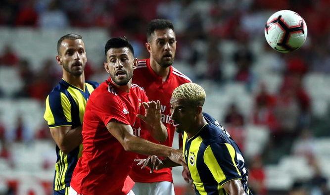 Fenerbahçe şampiyonlar ligine veda etti. Fenerbahçe Benfika maçı kaç kaç bitti