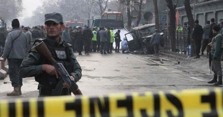 Afganistan'da Taliban askeri üsse silahlı saldırı düzenledi