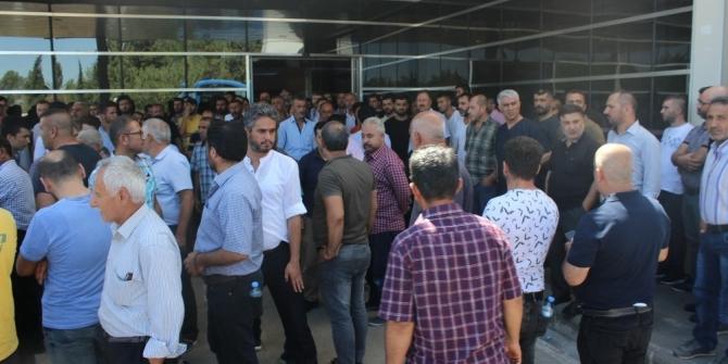 Adıyaman'da vatandaşlar yaralı askerlere kan vermek için hastaneye akın etti