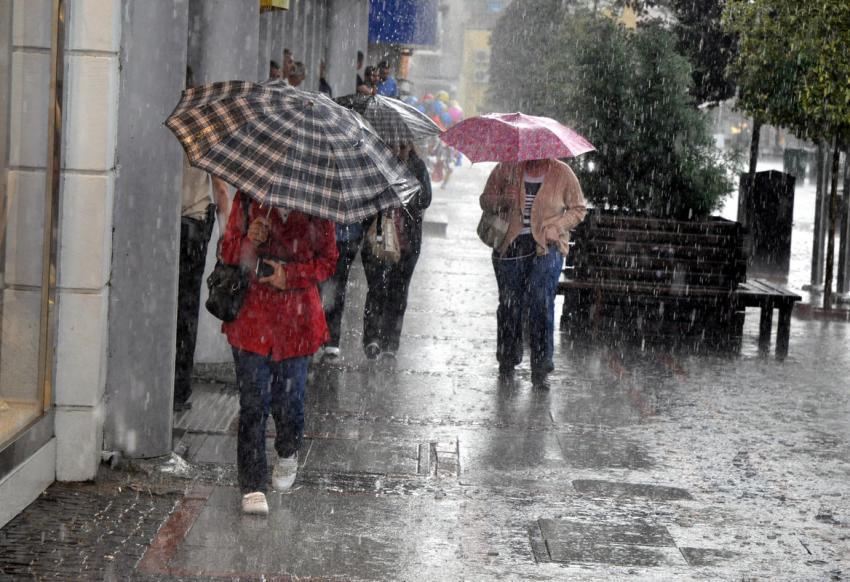 Meteoroloji'den sağanak yağış uyarısı | 18 Ağustos İstanbul hava durumu