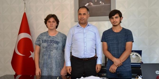 Biga'lı öğrenciler iki projeye imza attı