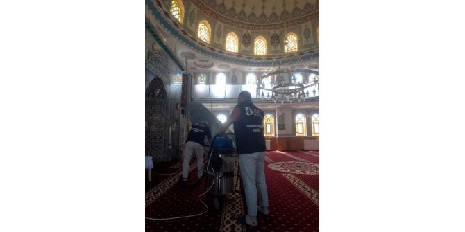İzmit'te ibadethanelerin temizliği belediyeden