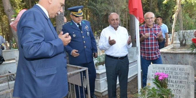 Başkan Arslan, şehitleri kabirleri başında andı