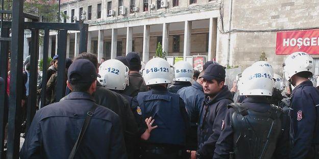 İstanbul Üniversitesin'de Gerginlik