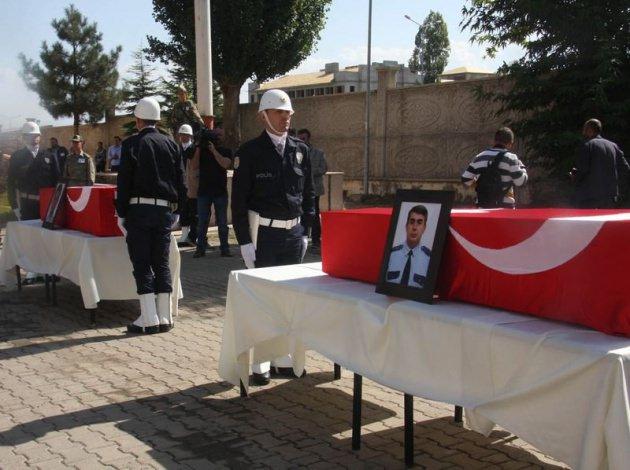 Bingöl'de Polisler son yolculuğuna uğurlandı