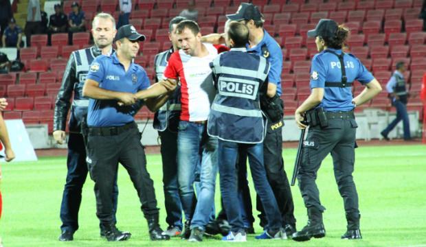Spor Toto 1. Lig'inde şok olay, Hakeme kafa attı Maç iptal edildi!