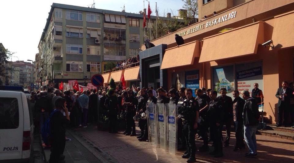 Sapanbağları Semt Polikliniğin kapatılması protesto edildi
