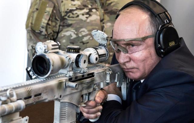 Putin'den gözdağı verecek hareketler: 5 kez atış yaptı, bir tanesini kaçırmadı