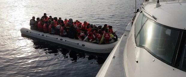İzmir'de düzensiz göçmenleri taşıyan tekne battı: 9 ölü