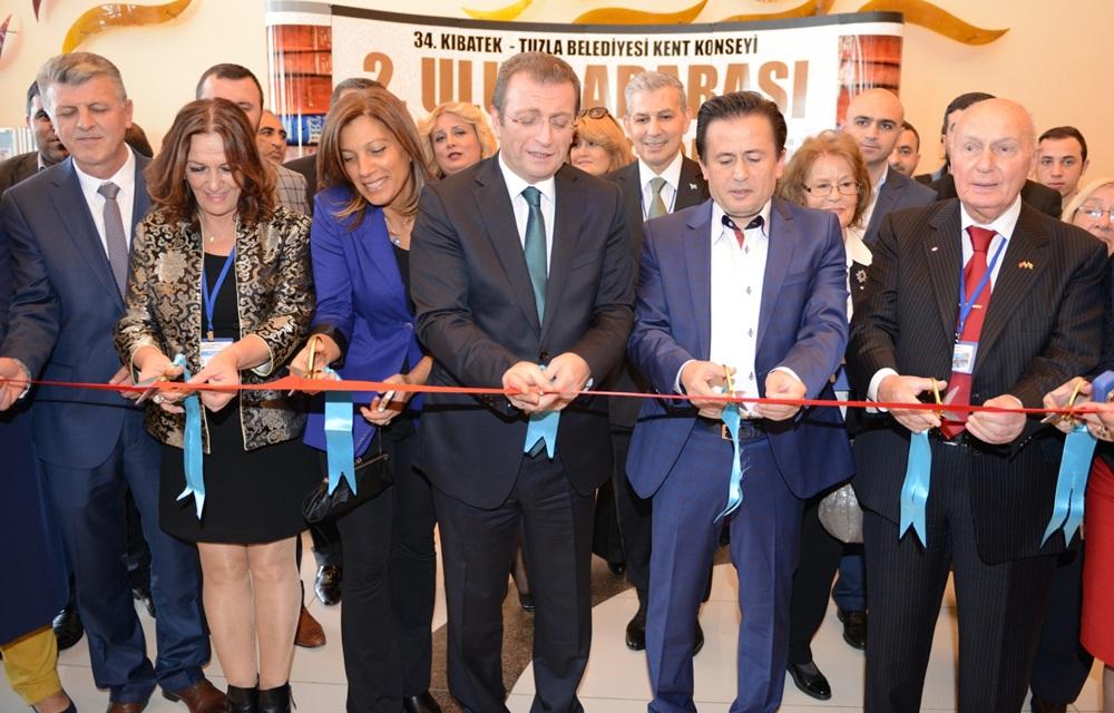 Tuzla Belediyesi, Uluslararası Edebiyat Şöleni'ne Ev Sahipliği Yaptı