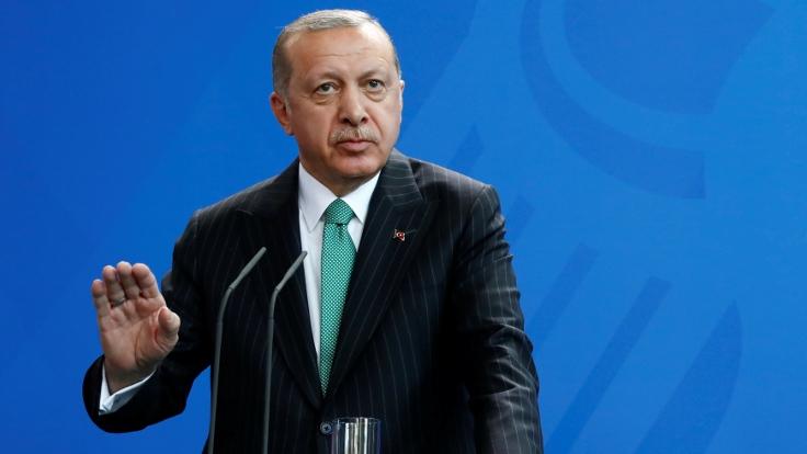 Cumhurbaşkanı Erdoğan açıkladı: CHP'nin İş Bankası hisseleri Hazine'ye devredilecek