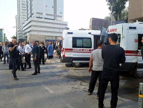 İzmir Adliyesi'nde zehirlenme! Bina boşaltılıyor