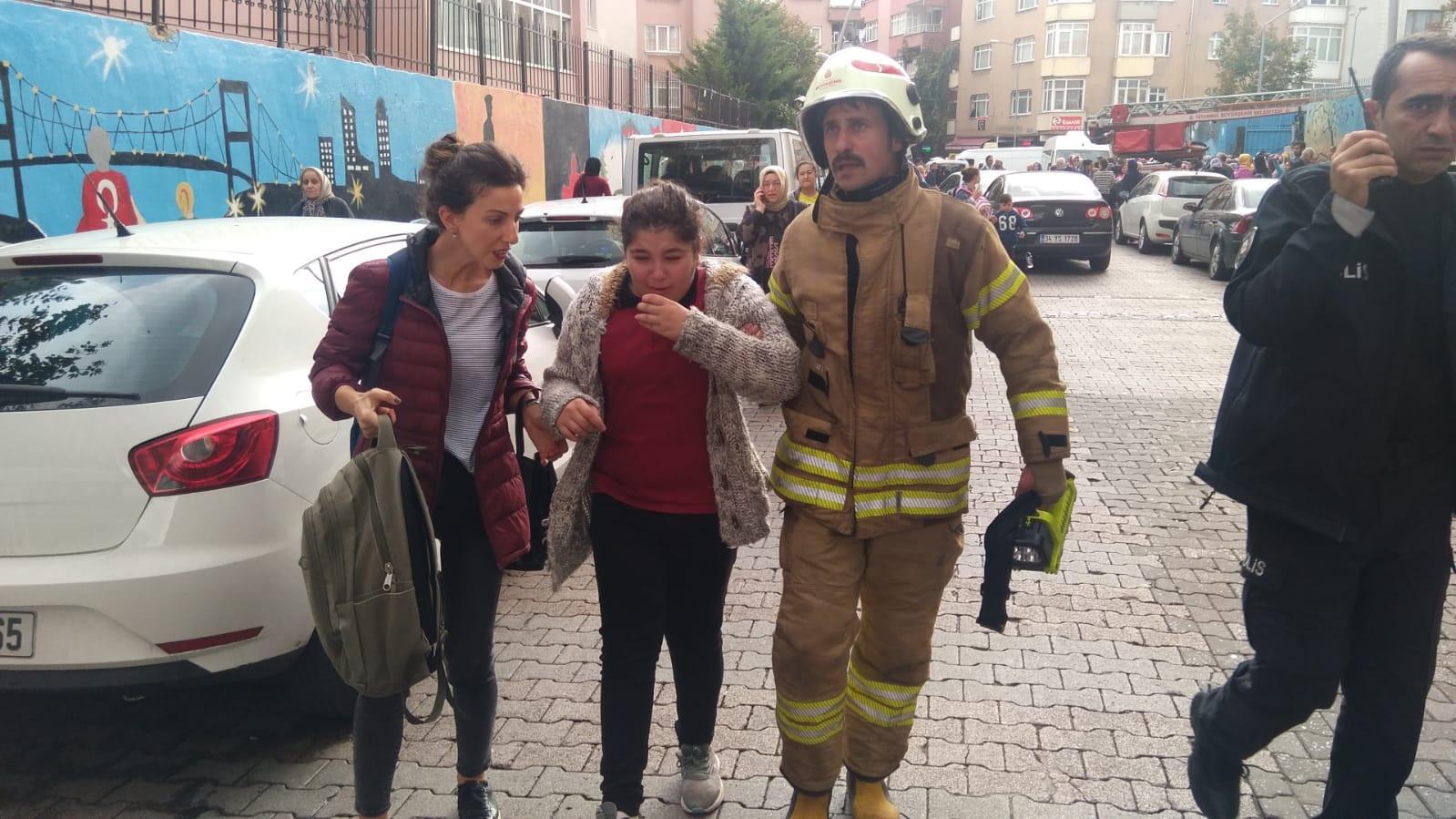 İstanbul'da okulda yangın paniği!