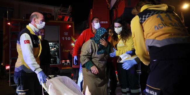 Ankara'da büyük yangın! 10 kişi hastaneye kaldırıldı