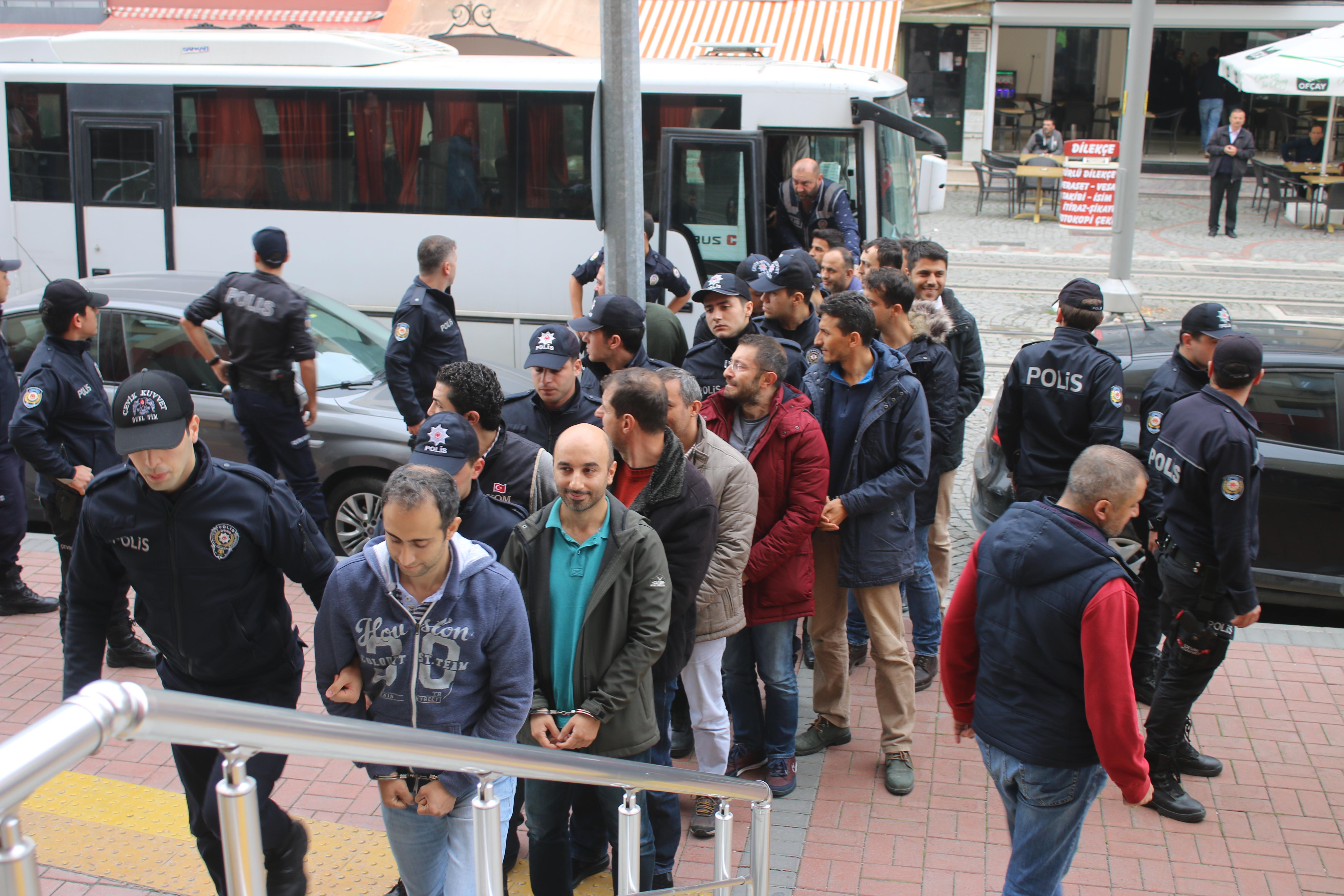 FETÖ operasyonlarında 12 şüpheli gözaltına alındı 33