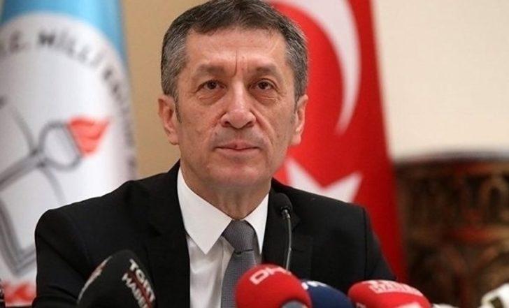 Milli Eğitim Bakanı Ziya Selçuk'tan samimi itiraf :'' Hayalim tır şoförü olmaktı.''