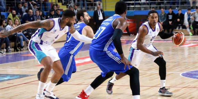 Afyon Belediyespor- İstanbul BBSK: 74-76