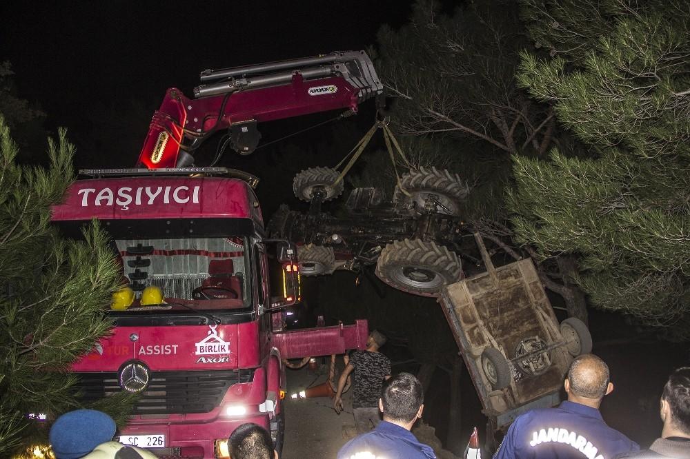 Balıkesir'in Edremit ilçesindeTraktör uçuruma yuvarlandı: 1 ölü