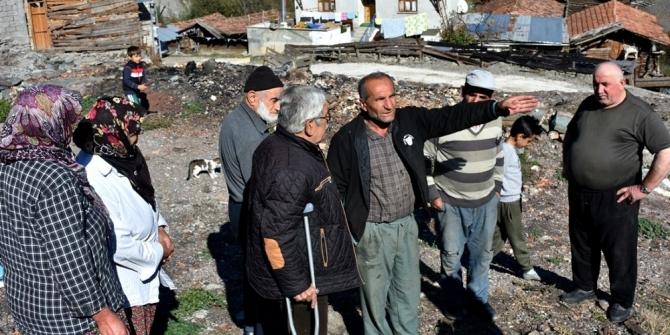 8 evin yandığı, 1 kişinin hayatını kaybettiği köyde, vatandaşlar kışa evsiz giriyor
