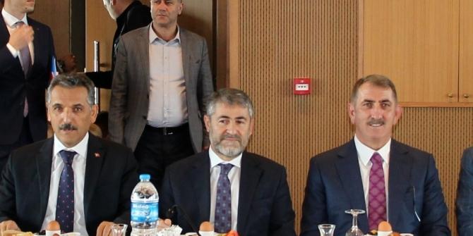 Bakan Yardımcısı Nebati, Samsun'da iş adamları ile buluştu
