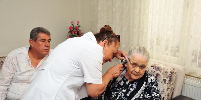 Balçova'da yaşlı vatandaşların hayatını kurtaracak bileklik