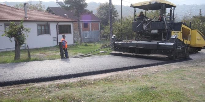 Kuzuluk'ta sıcak asfalt serimi gerçekleşti