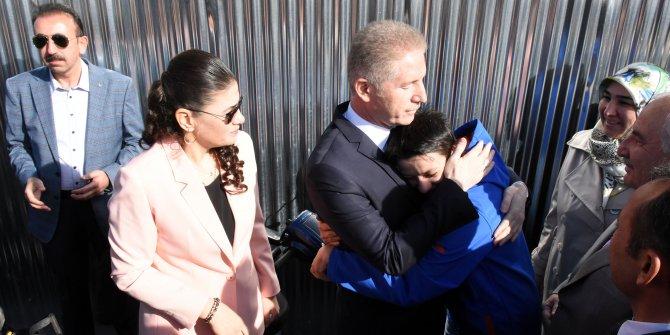 Vali Davut Gül, Sivas'tan gözyaşlarıyla uğurlandı