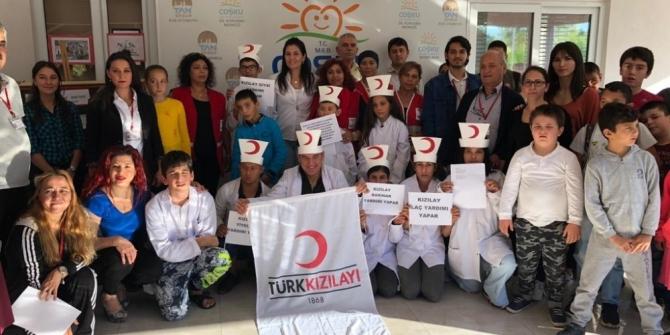 Ostaca'da özel öğrenciler Kızılay Haftası'nı kutladı