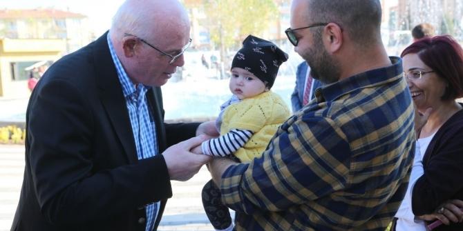 Başkan Kurt, Cumhuriyet Parkı'nda vatandaşlarla buluştu
