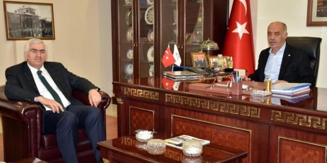 Ak Parti İl Başkanı Öz'den, Başkan Yücelik'e ziyaret