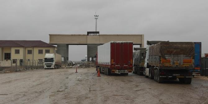 Çobanbey Sınır Kapısı'nın kapatılması sürücüleri zor durumda bıraktı