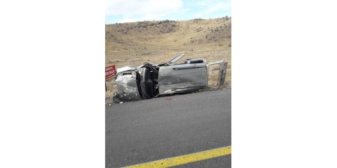 Aracın hurdaya döndüğü kazadan yaralanmadan kurtuldu