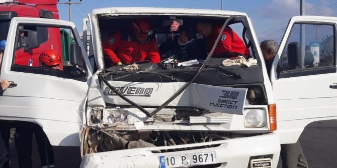 Edremit'te kazada can pazarı